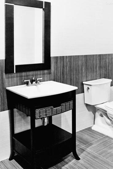 正文    干净,大气的单身男士卫浴间足够简约时尚,地砖选择了条形花纹
