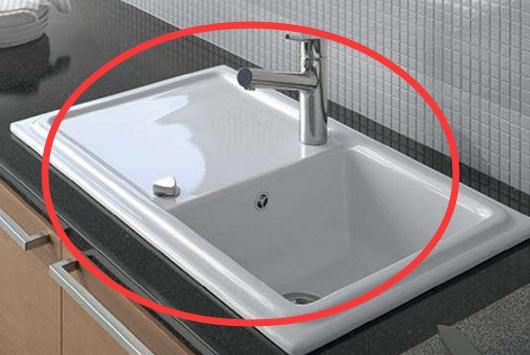 越来越多人在厨房都不装不锈钢水槽了,如今流行装这种,太聪明了