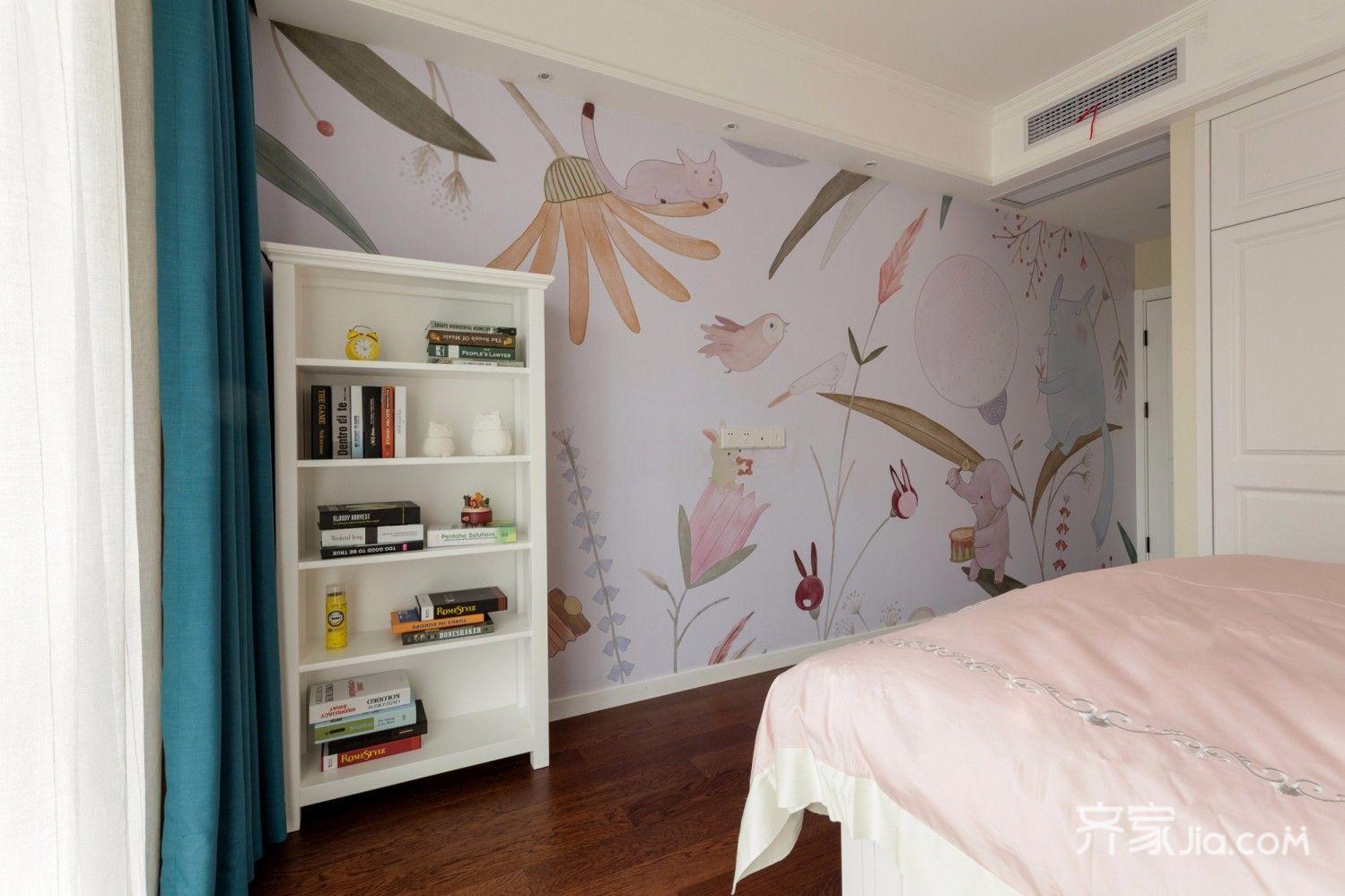 简约的淡灰色壁纸与木色地板的色彩搭配给人一种跳跃的气息.