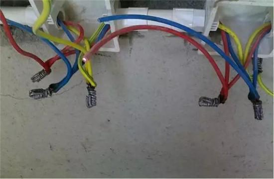 """电路改造中经常看到""""电线的颜色没有什么具体的要求,只要火线,零线"""