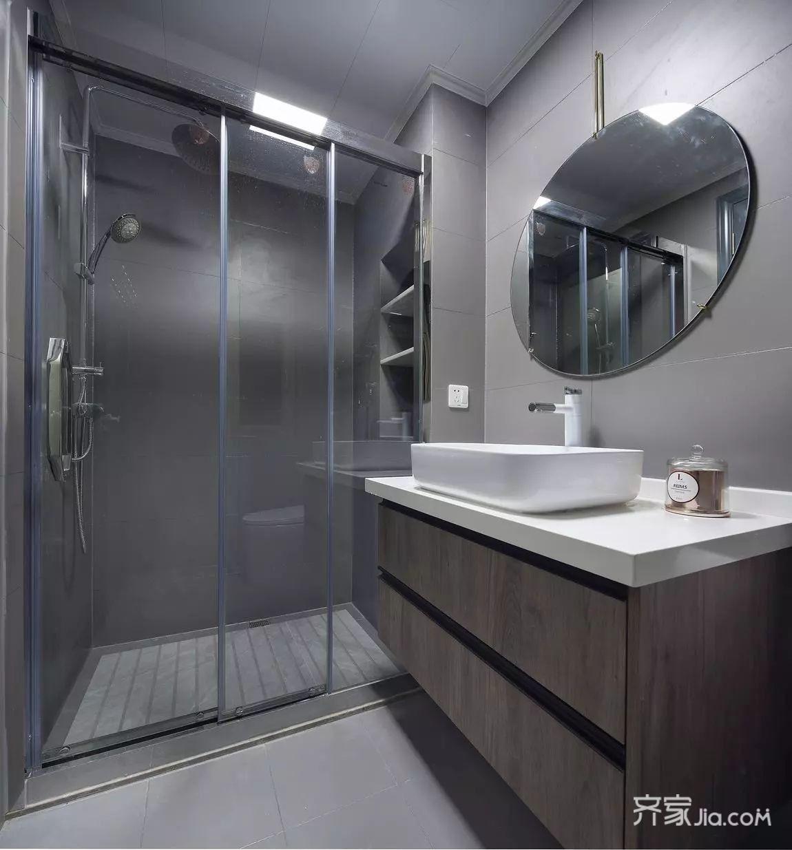 次卫生间用爵士白瓷砖,提升整个卫生间质感与档次.