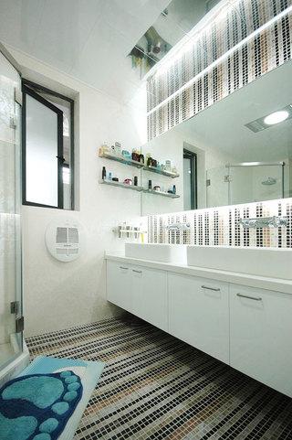 白色浴室柜設計圖