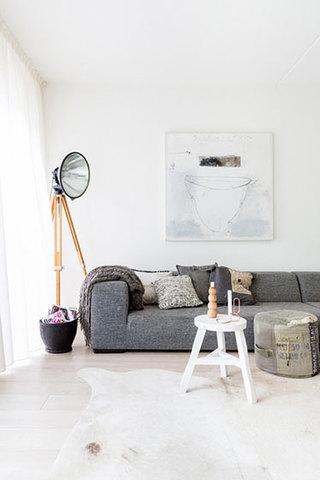 温馨米色客厅设计