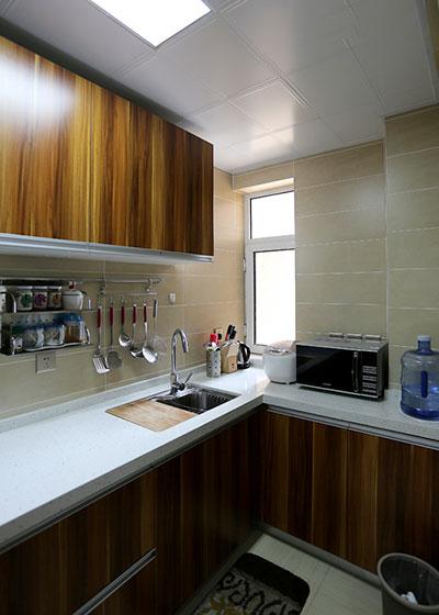 木色厨房效果图