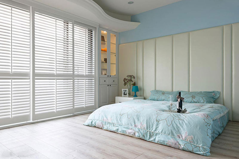 唯美浅蓝色卧室装修效果图