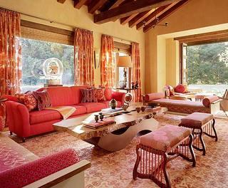 红色客厅装潢