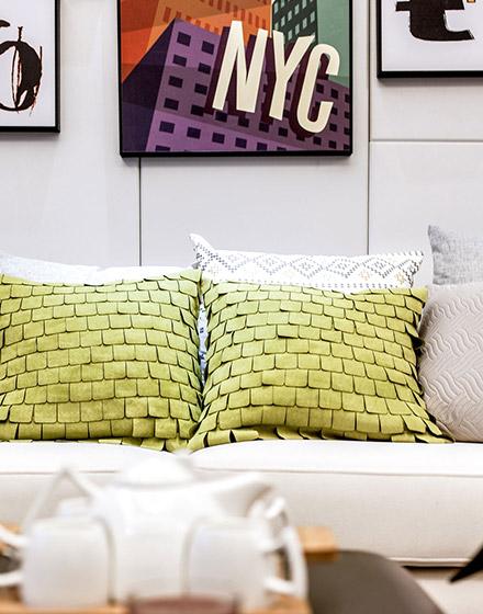 现代简约可爱沙发抱枕图片