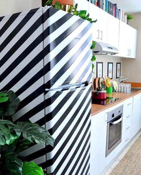 条纹厨房冰箱设计图片
