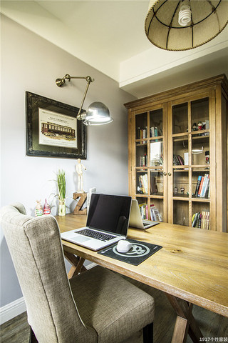美式风格三居室装修美式书房设计