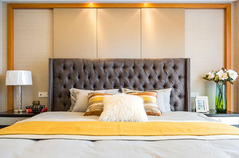 170平美式风格床头软包设计图