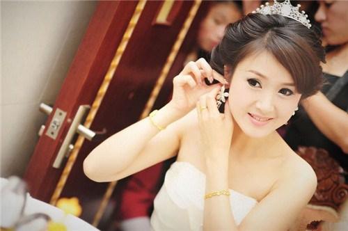 新娘化妆需要什么化妆品 新娘化妆注意事项