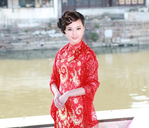新娘穿旗袍配什么发型 新娘发型要怎么搭配旗袍