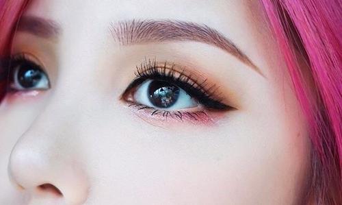 新娘眼妆眼影颜色搭配技巧  如何画好眼影