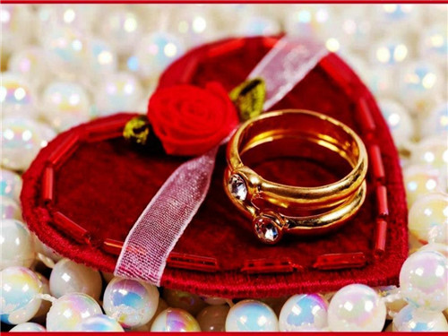 订婚有什么讲究 订婚礼金一般给多少