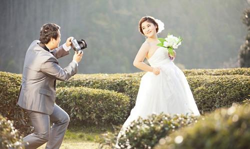 女生拍婚纱照姿势大全_拍婚纱照pose姿势大全