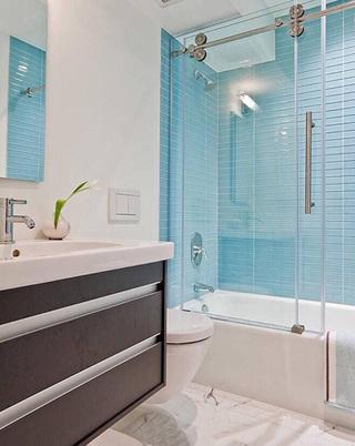 蓝色系浴室装修装饰效果图