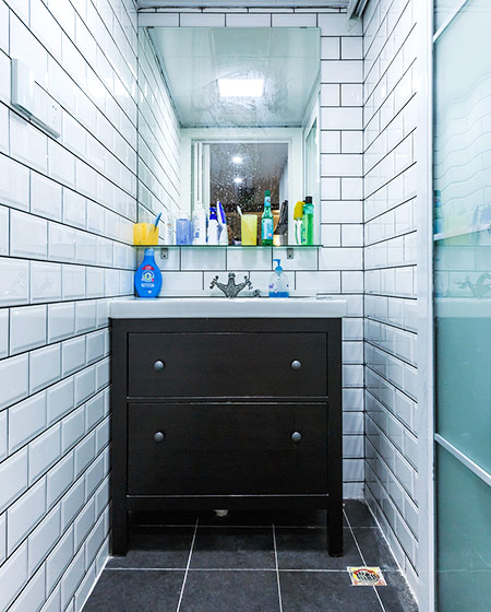 90平北欧风格三居卫生间瓷砖装修