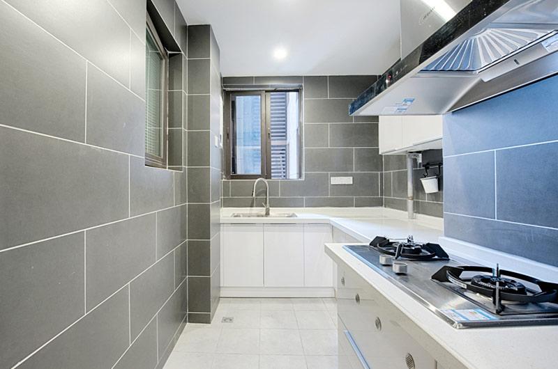 110平简约风格公寓装修白色橱柜设计