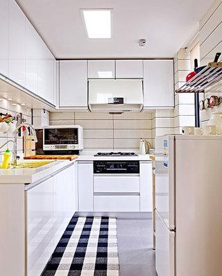 小户型装修白色厨房图片