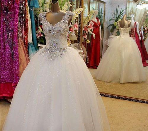 租婚纱一般多少钱_孟加拉租个女人多少钱