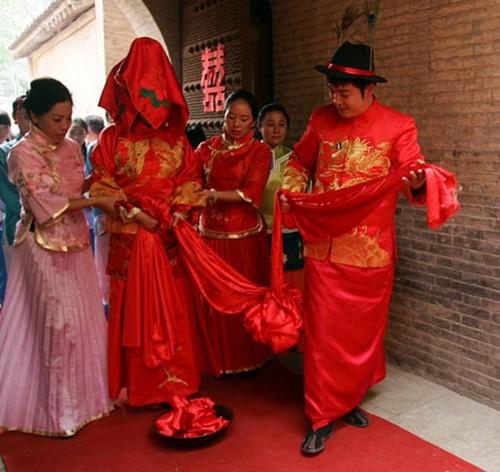 中式婚礼环节一览表 让你的婚礼更好玩有趣