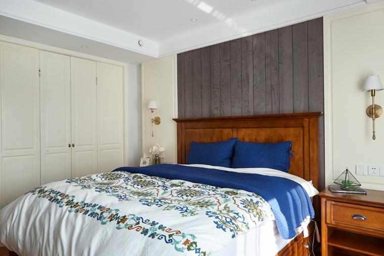 120平两居室复古装修整体衣柜图片