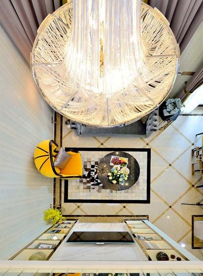 60平米时尚loft装修吊灯图片