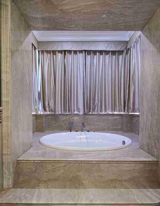 联排别墅装修浴缸