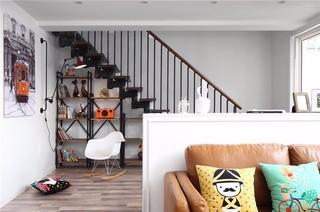 简约北欧风三居装修楼梯书架设计图