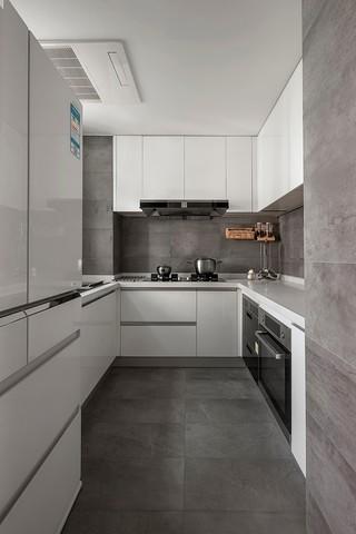 140平现代风格厨房装修效果图