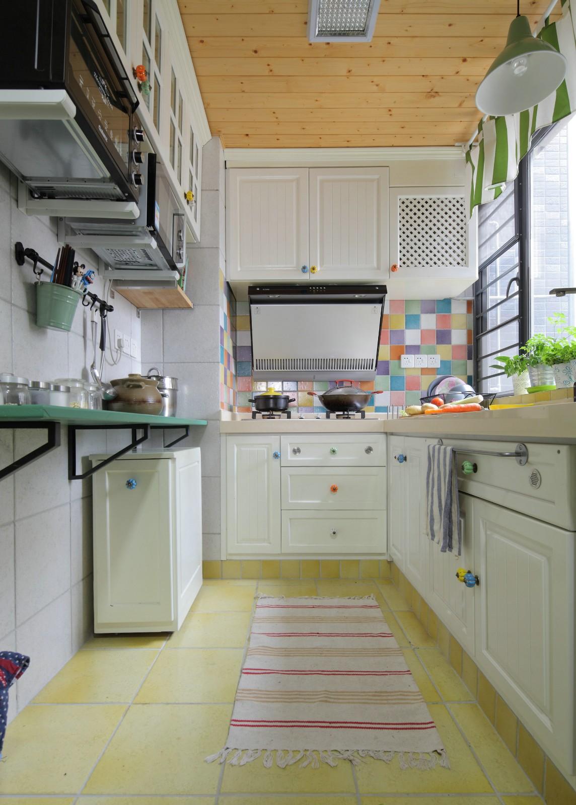 田园混搭风格三居厨房装修效果图
