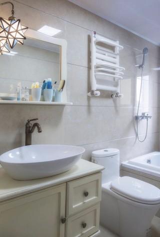 三居室地中海风格卫生间装修效果图