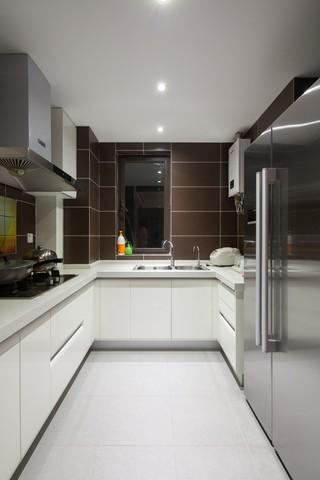 現代簡約二居室廚房裝修效果圖