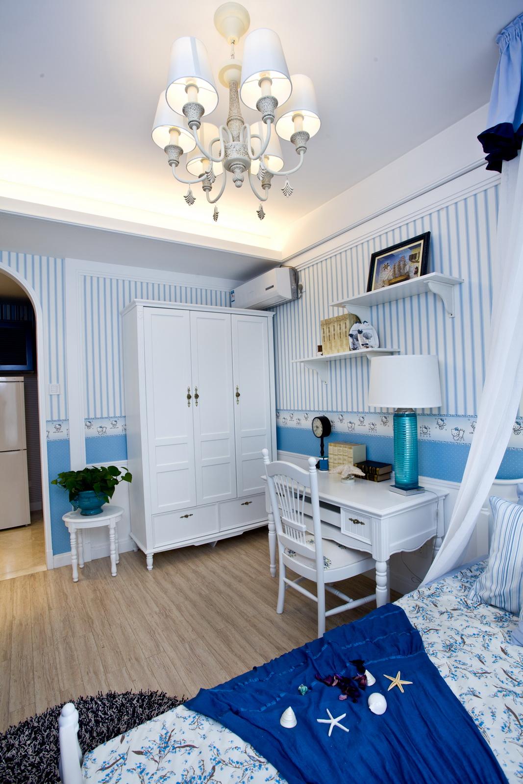 三居室地中海风格装修书桌衣柜设计图