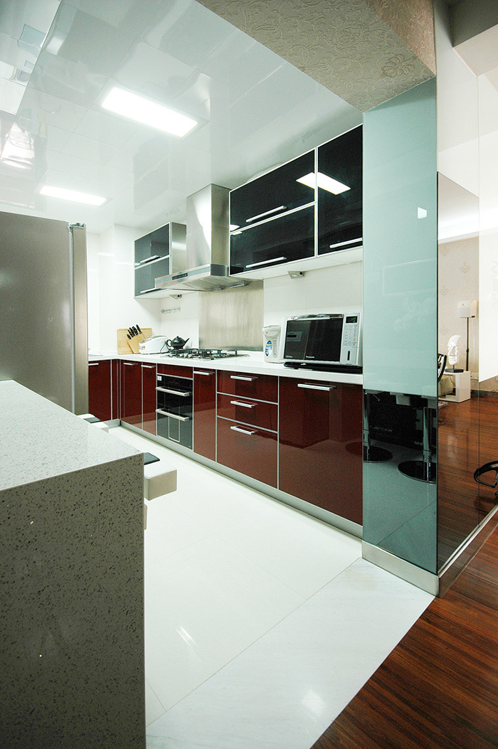 105平现代风格厨房装修效果图