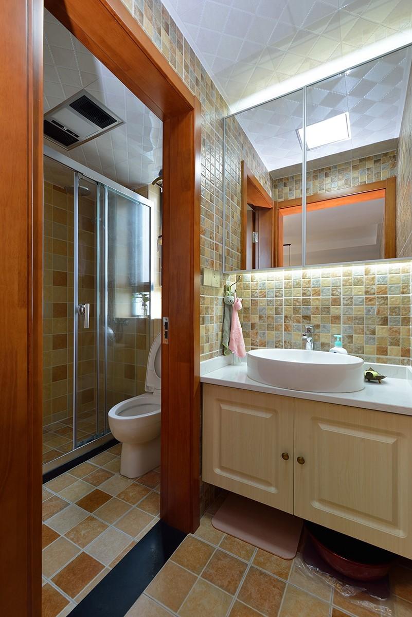 二居室混搭风格卫生间装修效果图