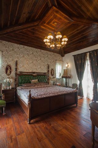 复古美式风格别墅卧室装修效果图