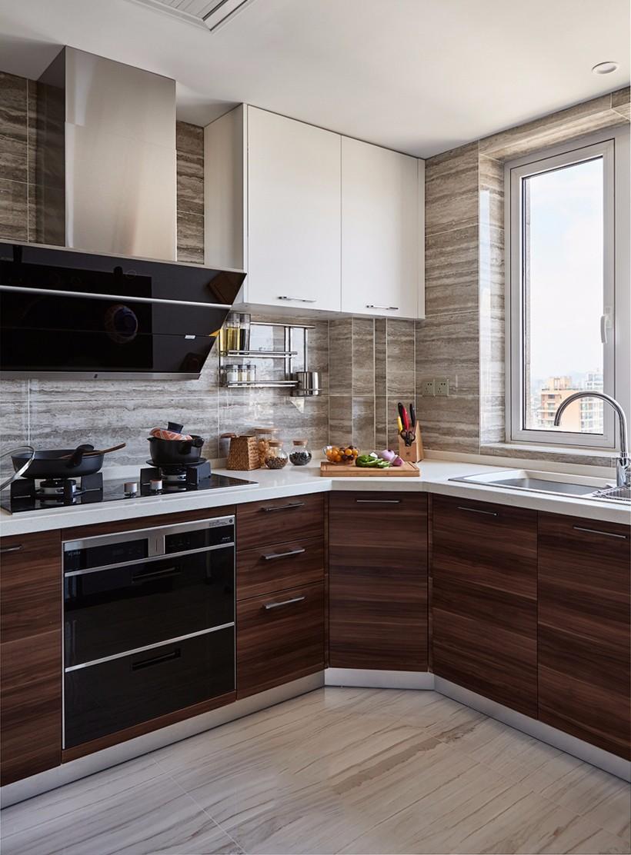 135平米三居室厨房装修效果图