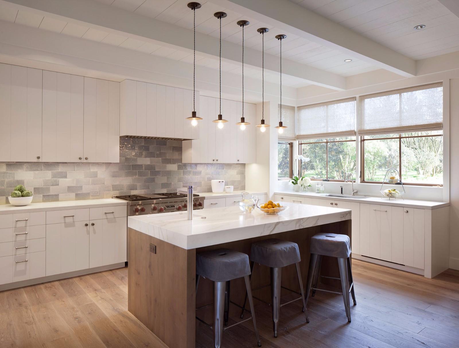 美式乡村风格别墅厨房装修效果图
