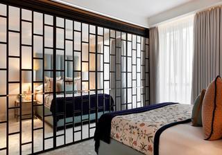 优雅英式公寓卧室镜面墙装修效果图