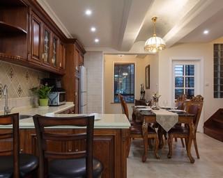 美式古典别墅厨房装修效果图