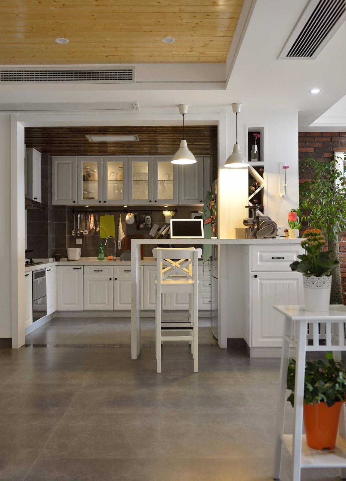 85平米二居室厨房吧台装修效果图