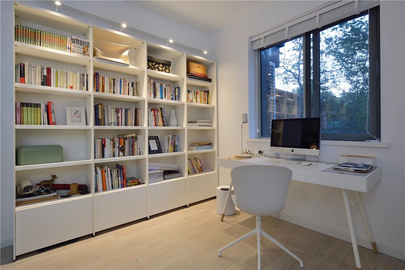 150平现代简约书房装修效果图