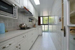 95平美式风格厨房装修效果图