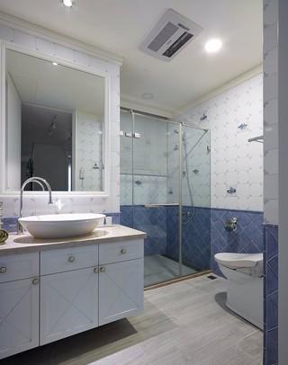 美式风格四房卫生间装修设计效果图