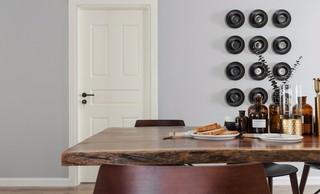 现代北欧三居室装修餐桌设计图