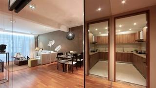 现代简约风格四房玄关玻璃镜面装修效果图