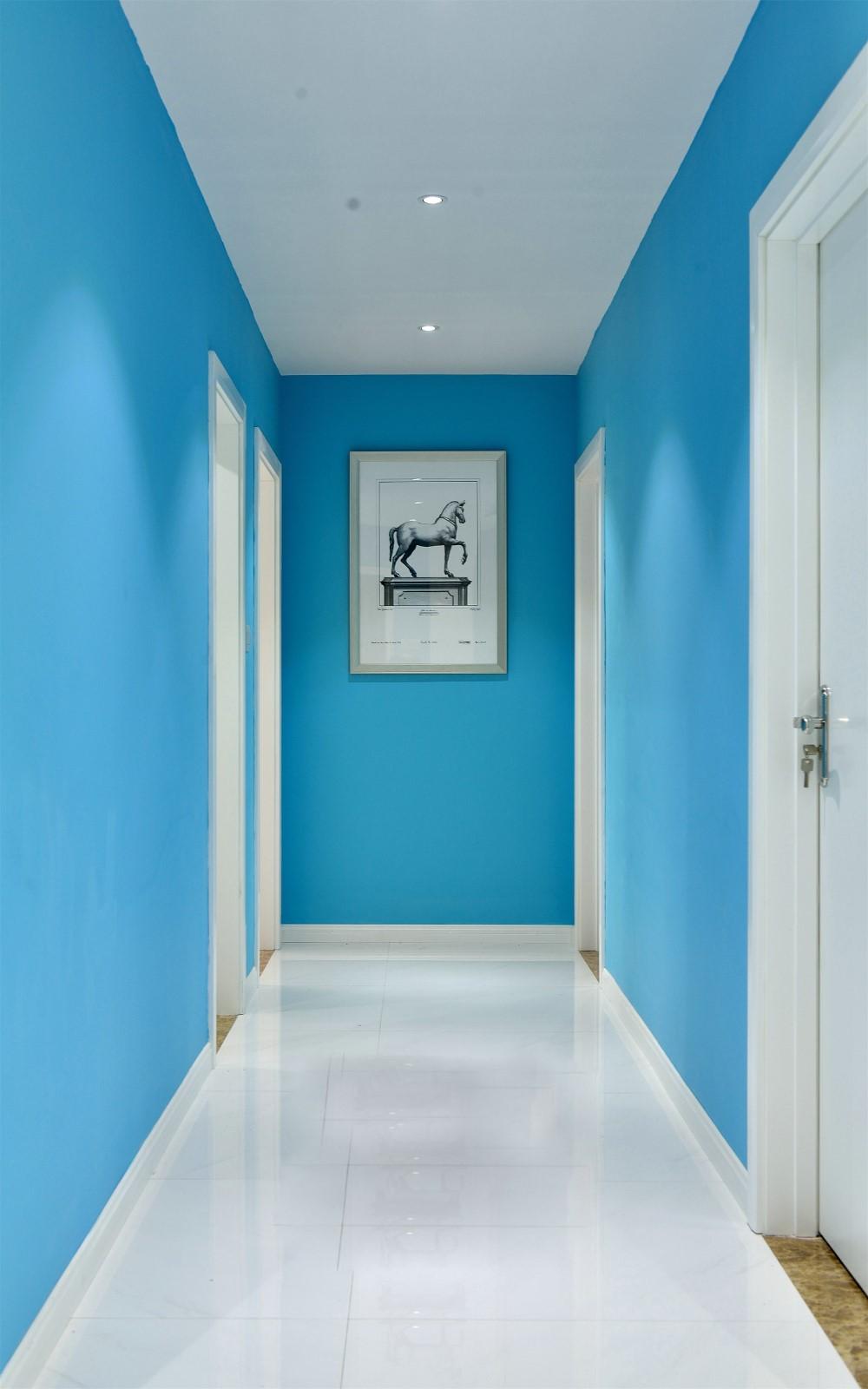 130平现代简约走廊装修效果图