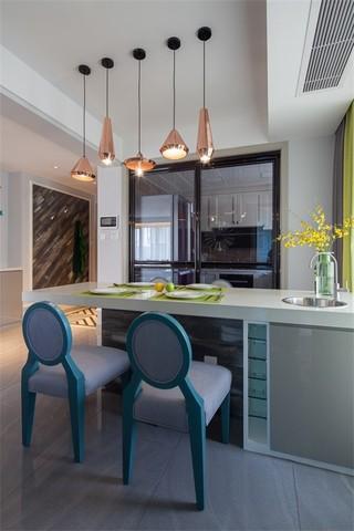 三居室混搭风格餐厅装修效果图