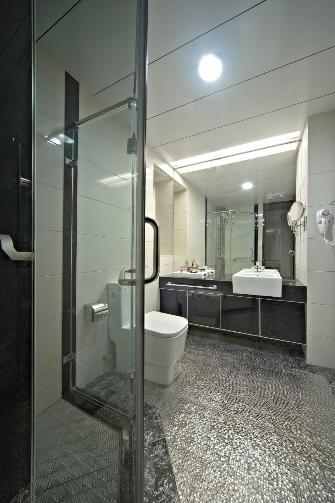 新古典三居室卫生间装修效果图